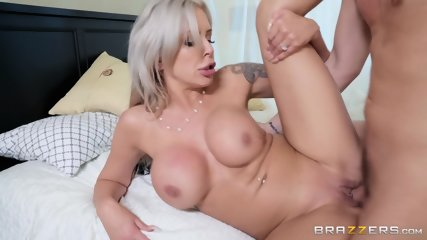 Creamy Load In Hot Mom