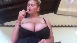 HUUUGE Boobs Nice Smoker