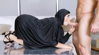TeenPies – Muslim Teen Gets Creampied